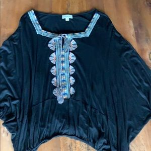 Umgee Black Bell-Sleeved Top Size Small